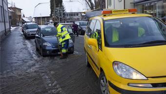 Bruno Lindenmann ist zur Stelle, wenn ein Auto liegen bleibt – in diesem Fall kann er es nicht reparieren und muss es abschleppen.