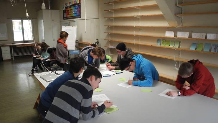 Jugendliche während dem Workshop