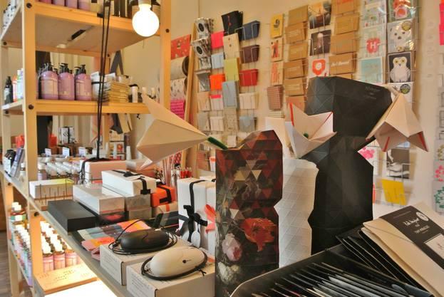 Villa Paul am Theaterplatz. Das Kaufhaus bietet sozial, ökologisch und ökonomisch fair hergestellte Produkte an. Dahinter stecken Mimi Frey und Doris Rickenbacher.