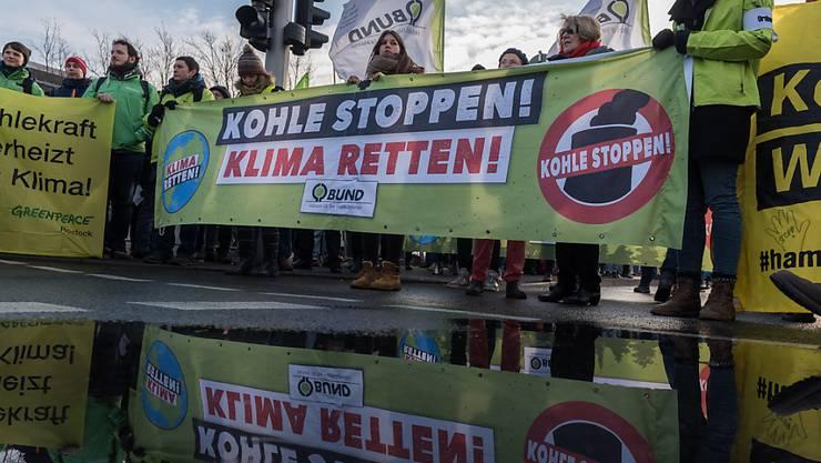 Kohle-Protest vor dem Kanzleramt in Berlin.