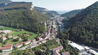 Das Nadelöhr von Balsthal aus gesehen. Bringt ein Tunnel durch den Berg die Lösung?