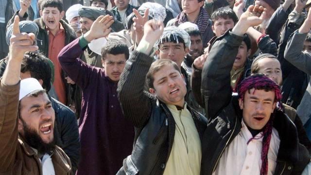 Empörte Afghanen in Kundus