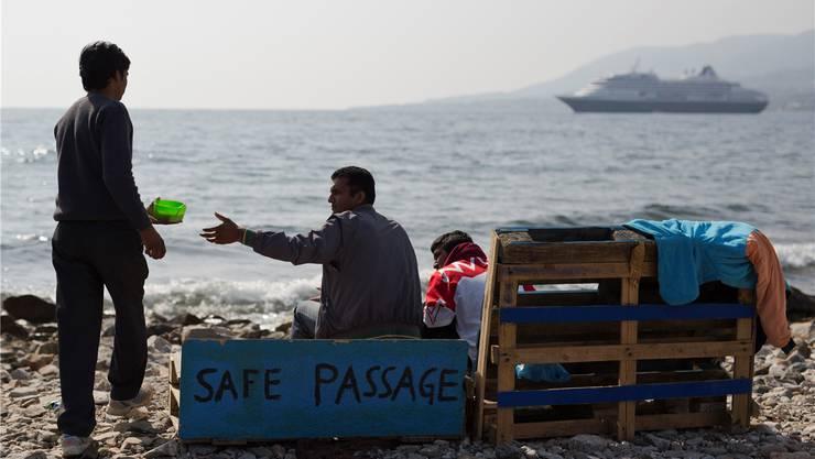 Müssen vermutlich zurück in die Türkei: Pakistanische Flüchtlingen auf Lesbos.