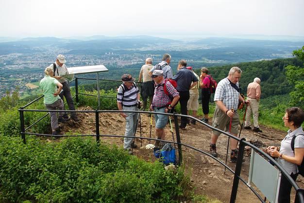 Von der Wasserflue-Panoramaplattform aus: Freier Blick auf Aarau.