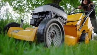 Wer Unterstützung bei der Gartenarbeit braucht, kann auf der neuen Plattform Freiwillige finden. Umgekehrt können Personen ihre Hilfe anbieten. (Symbolbild)