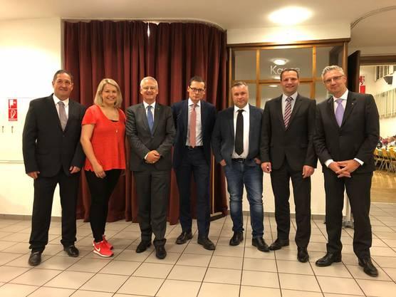 (v.l.n.r.) Mario Gratwohl, Tanja Gauch, René Bodmer, Roger Köppel, Matthias Moser, Hugo Kreyenbühl, Andreas Glarner