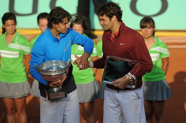 2011: Final Roland Garros: Nadal s. Federer 7:5, 7:6 (7:3), 5:7, 6:1 Federer bezwingt im Halbfinal Novak Djokovic und beendet damit dessen Serie von 42 Siegen in Folge zum Start in die Saison 2011. Im vierten Paris-Final gegen Nadal führt er im Startsatz 5:2, vergibt einen Satzball und verliert mit 5:7, 6:7 (3:7), 7:5, 1:6. Für Nadal ist es der sechste Titel. Federer: «Rafa hat ein grossartiges Turnier gespielt und verdient gewonnen. Für mich war es ebenfalls ein super Turnier, natürlich hätte ich gerne gewonnen, aber Rafa auf Sand, das ist eine Klasse für sich.» Mit seinem sechsten Paris-Sieg zieht Nadal auch mit dem Schweden Björn Borg gleich.