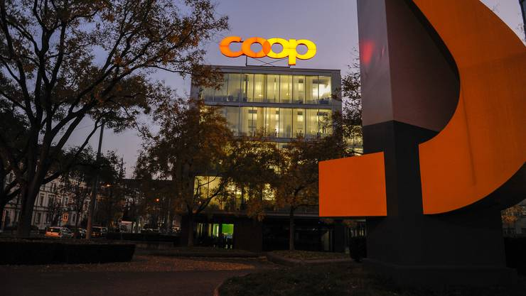 Der Coop Hauptsitz beim Bahnhof an der Thiersteinerallee.
