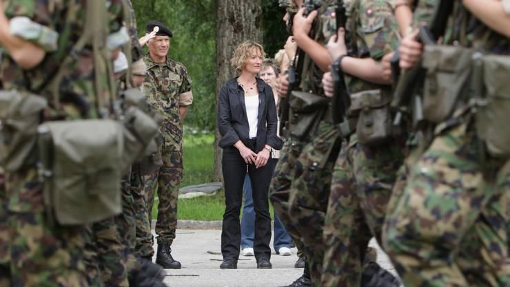 Militärdirektorin Susanne Hochuli setzt sich für Waffenplatz Aarau ein