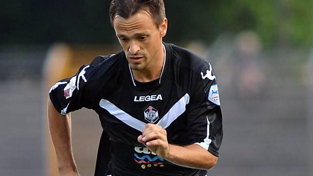 Luganos Carlos Da Silva am Ball