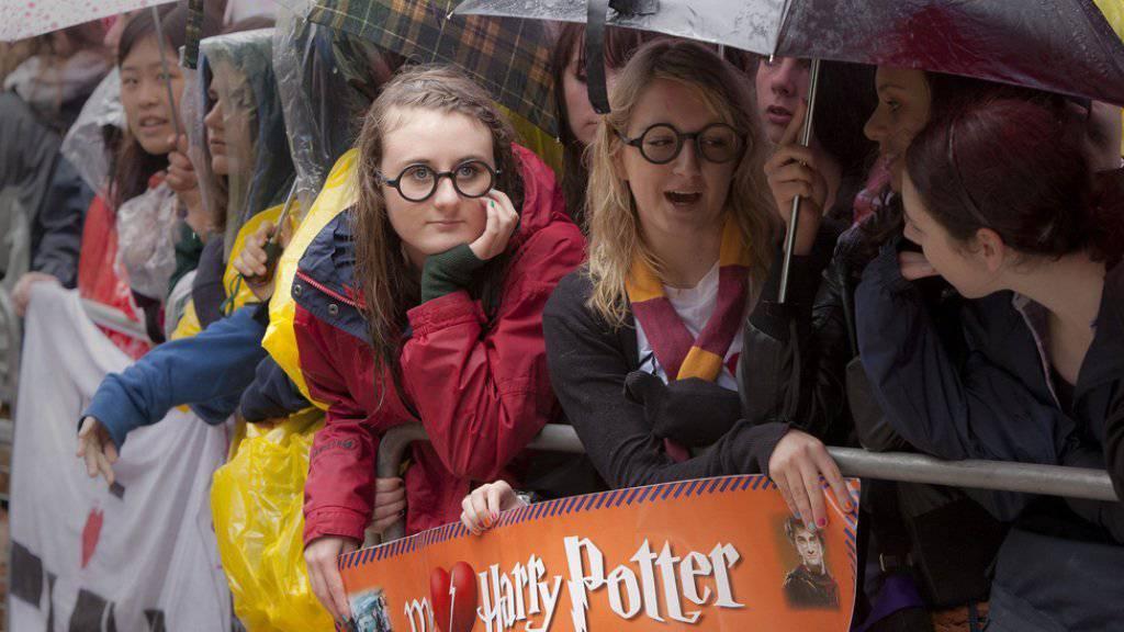 """Der Hype um Harry Potter hält an: Nach dem ersten Ansturm auf Tickets für das Bühnenstück """"Harry Potter and the Cursed Child"""" haben Fans nächste Woche noch einmal die Chance, einen Platz im Londoner Palace Theatre zu ergattern. (Archivbild)"""