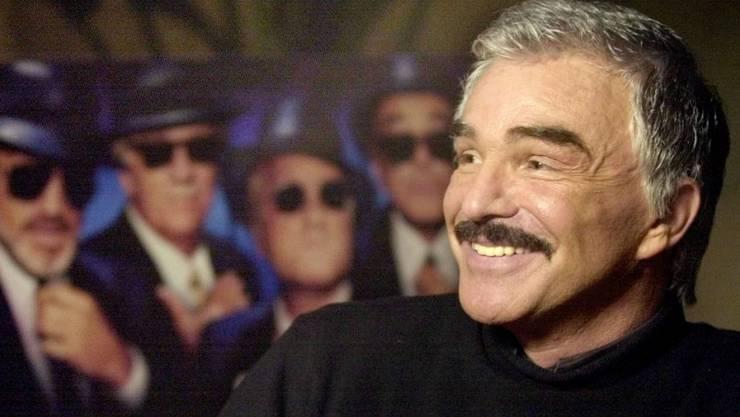 """Burt Reynolds spielte unter anderem in der Westernserie """"Rauchende Colts"""". Für Arnold Schwarzenegger war er ein Held. (Archivbild aus dem Jahr 2000)"""