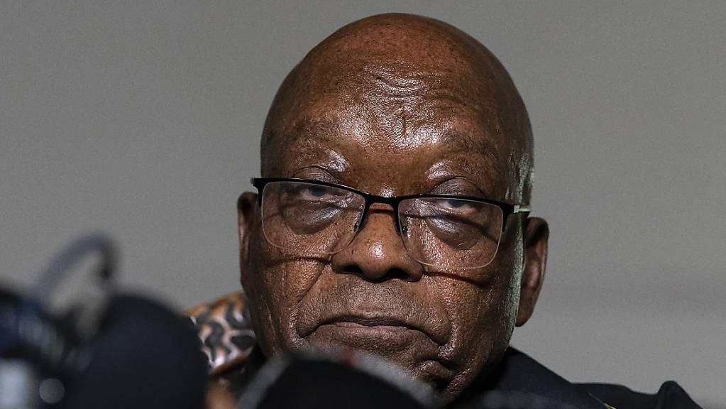 Der ehemalige Präsident Südafrikas, Jacob Zuma, muss eine 15-monatige Haftstrafe antreten. (Archivbild/Shiraaz Mohamed/AP/dpa)