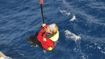 Solo-Seglerin Susie Goodall ist nach einem Sturm in Seenot geraten. Nun konnte sie gerettet werden.