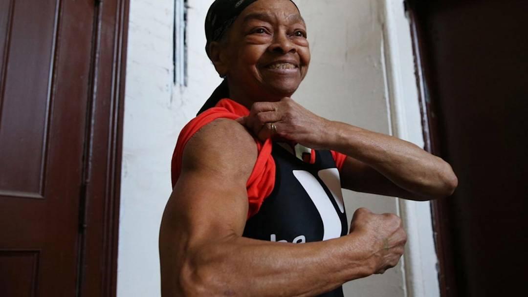 82-jährige Gewichtheberin schlägt Einbrecher in die Flucht