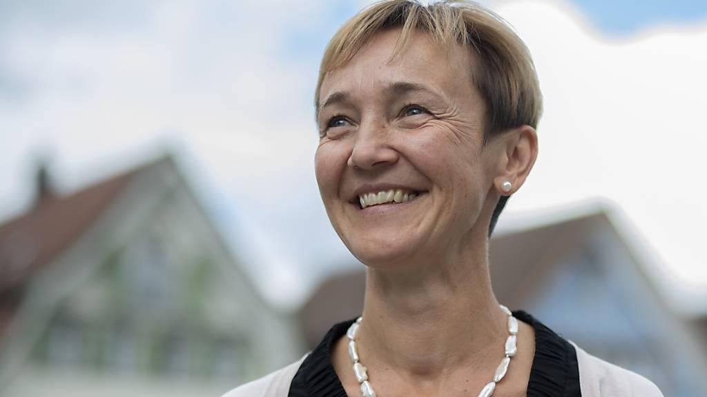 Monika Rüegg Bless (CVP) nach ihrer Wahl als Innerrhoder Frau Statthalter (Gesundheits- und Sozialdirektorin) am 23. August 2020. In der Wahl vom 9. Mai 2021 wird die CVP-Politikerin vom Komitee-Pro Spital Appenzell herausgefordert (Archivbild).