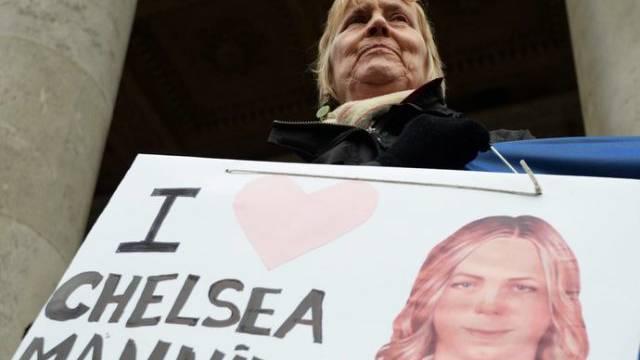 Eine Unterstützerin von Manning am 17.12. in London (Archivbild)