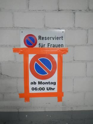 Ab Montag 0600 gilt Gleichberechtigung ... wenigstens in diesem Parkhaus in Baden :-)