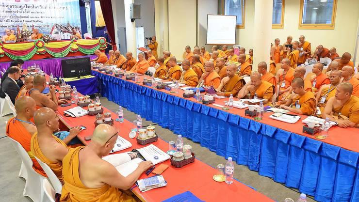 An der 10. Jahresversammlung der Vereinigung Thailändischer Mönchsgemeinschaften fanden sich über 150 Mönche ein.