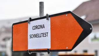 Die Schnelltests sind da, bei den Corona-Impfungen ist jedoch Geduld gefragt, auch wenn sie demnächst begonnen werden.