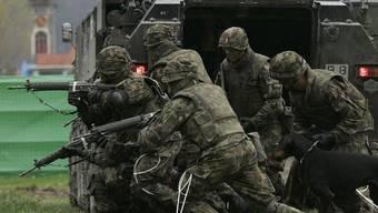 WK-Soldaten liegen mit teils schweren Verletzungen im Spital