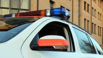 Die Polizei sucht Zeugen zum Unfallhergang (Symbolbild).