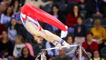 Wenn Oliver Hegi turnt, wähnt sich der Betrachter fast im Zirkus.