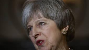 Not amused: Die britische Premierministerin Theresa May kontert die Brexit-Vorschläge aus Brüssel mit eigenen (Aufnahme vom 12. Februar 2018).