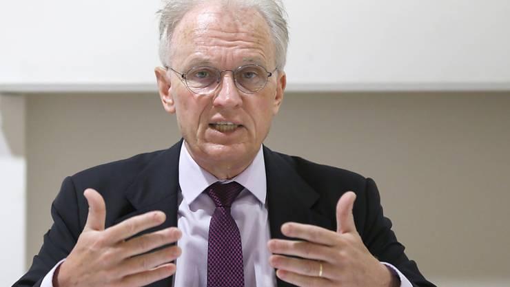 Hans-Ulrich Bigler, der Direktor des Schweizerischeren Gewerbeverbandes (SGV), möchte, dass die Wirtschaft bald wieder gesunden kann. (Archivbild)