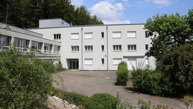 Der Osttrakt der Klinik Fridau am Hang oberhalb von Egerkingen dient seit gestern als Unterkunft von Asylbewerbern.