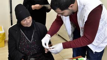 Laut dem Staatssekretariat für Migration sind bis zu einem Drittel der Flüchtlinge in der Schweiz im Hinblick auf Erwerbsarbeit und Bildung gesundheitlich beeinträchtigt. (Archivbild)