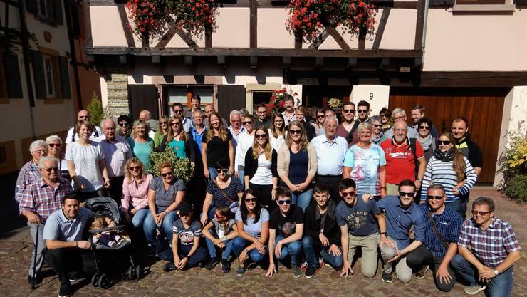Die gut gelaunte Reisegruppe bei schönstem Wetter in Colmar.
