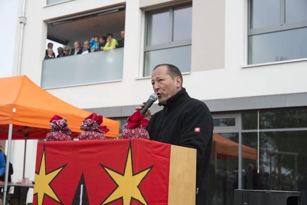Gemeindepräsident Hardy Jäggi freut sich, dass mit dem Begegnungsplatz ein Legislaturziel des Gemeinderates abgearbeitet ist.