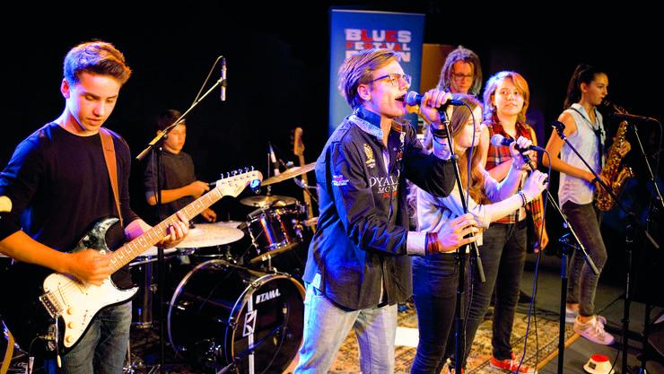 Die Mitglieder der Band Blues Kidz – alle zwischen 12 und 18 Jahren – gaben am Dienstagabend in der Stanzerei drei Lieder zum Besten.