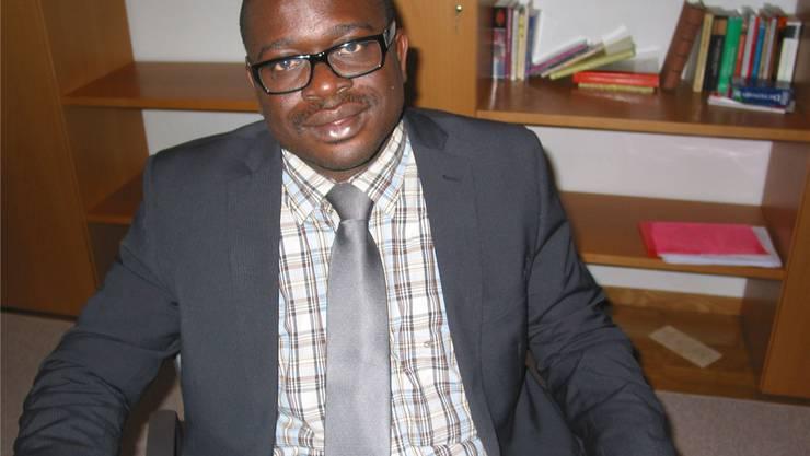 Pfarradministrator Polycarp Nworie in seinem Büro.