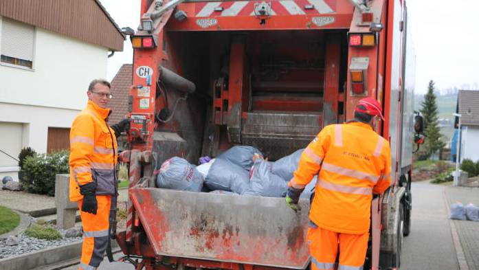 Der Vorteil in der kalten Jahreszeit: Der Müll stinkt nicht penetrant.