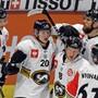 Die Spieler von Kärpät Oulu bejubeln im Hinspiel in Zürich einen Treffer