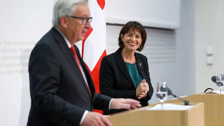 Atmosphäre herzlich, Resultate bescheiden: Doris Leuthard und Jean-Claude Juncker. PETER KLAUNZER/Keystone