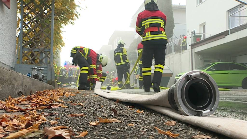 Boniswil: Brand in Mehrfamilienhaus