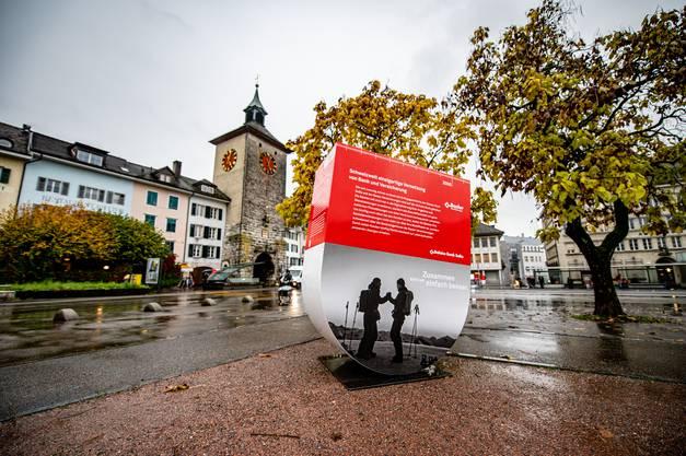 29 dreidimensionale Wappen zieren für die nächsten Wochen die Stadt. Bei Sonnenschein werden sie noch besser zur Geltung kommen.