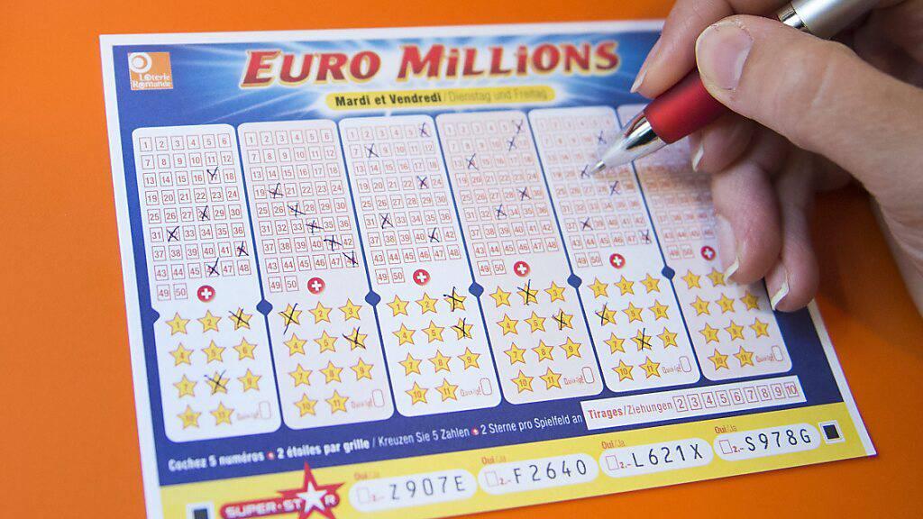 Ein Glückspilz hat bei Euromillions mehr als 75 Millionen Franken abgeräumt. (Archivbild)