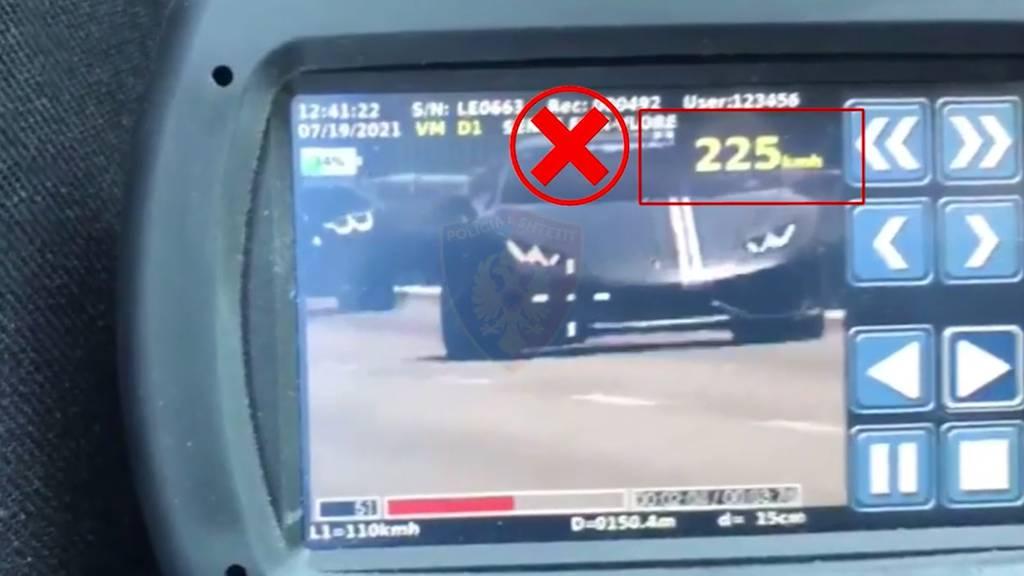 Mit 225km/h: Schweizer Luxusautos liefern sich Rennen in Albanien