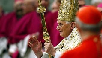 Der Papst hält die Vesper