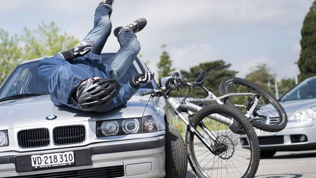 Immer öfter gibt es Verkehrsunfälle mit E-Bikes.