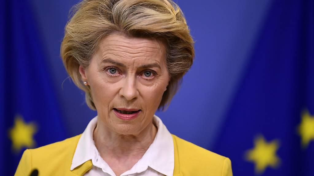 Ursula von der Leyen, Präsidentin der Europäischen Kommission, gibt eine Erklärung ab. (Archivbild)