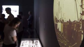 Dias sind weit mehr als ein berühmt-berüchtigtes Unterhaltungsmittel an Familienfeiern. Das Lausanner Musée de l'Elysée zeigt in einer neuen Ausstellung die Geschichte der projizierten Fotografie.