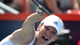 Simona Halep serviert im Final von Montreal