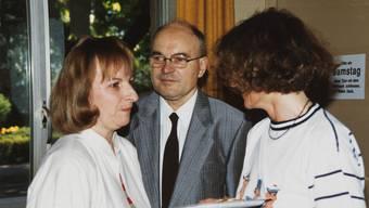 Fredy Gröbli (Mitte) ist der ex UB-Direktor.