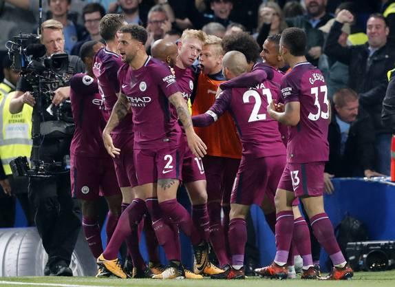 Jubel beim Tabellenführer Manchester City - Gelingt Kevin De Bruyne auch gegen Napoli einen Treffer?