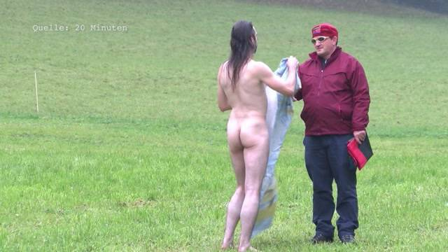 Vernissage Nacktkünstler zeigt sein Werk